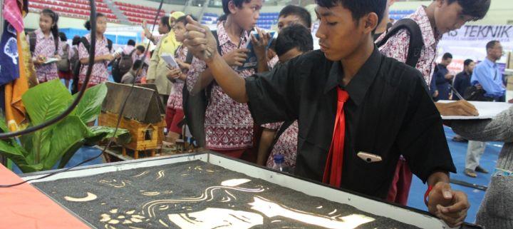 Potret Siswa Berprestasi - Bimaditya Putra Siswa Multi Talent Dengan Segudang Prestasi