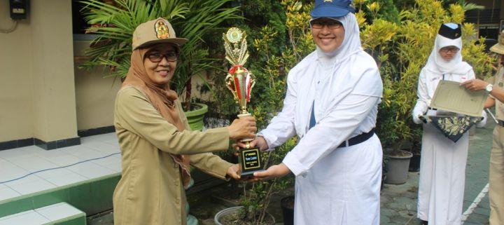 Bangga Menjadi Runner Up Poem Competition – Sebuah Artikel Karya Siswa Berprestasi, Aliyya Firdausy