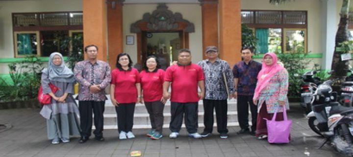Penandatangan MoU kerjasama dengan SMP Negeri 7 Denpasar dan Kunjungan ke SMP PGRI 2 Denpasar